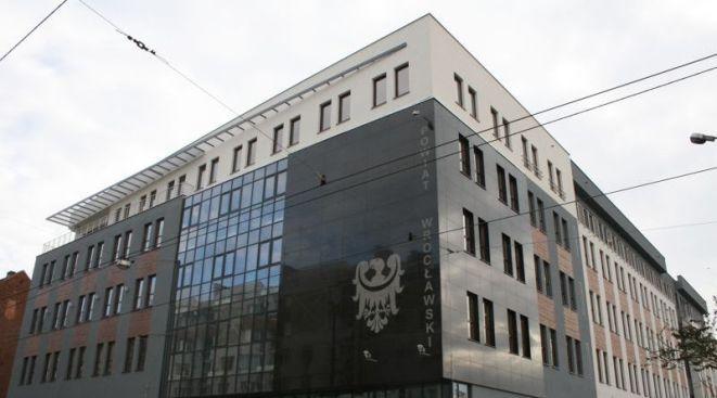 Nowa siedziba Starostwa Powiatu we Wrocławiu.