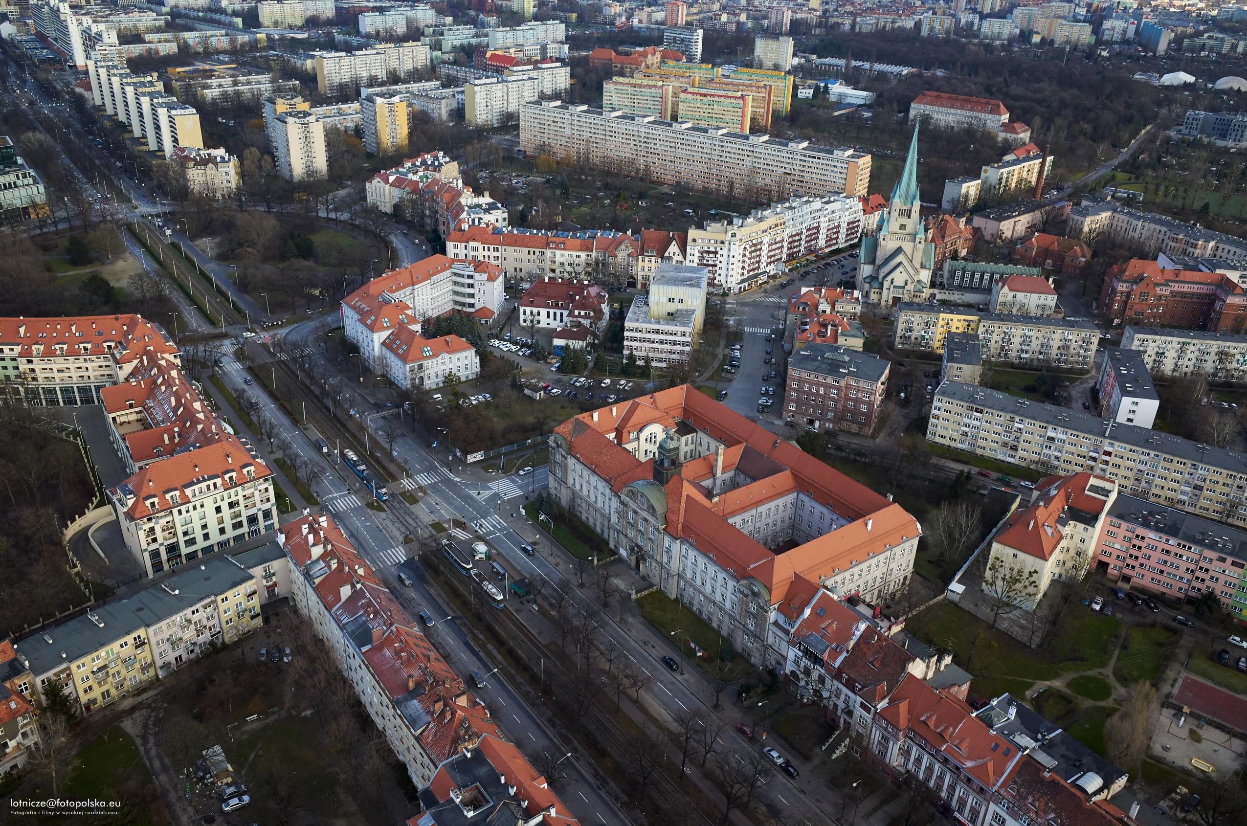 Centrum zarządzania siecią firmy Tauron stanie przy zbiegu ul. Powstańców Śląskich i Sztabowej