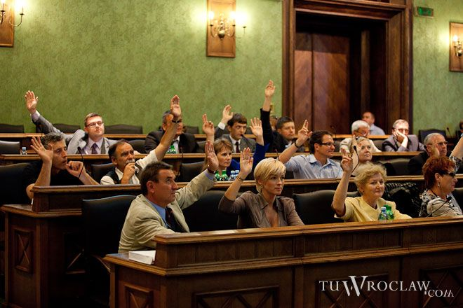 Radni będą głosować nad projektem zmiany w statucie Wrocławia, dającym mieszkańcom naszego miasta prawo do inicjatywy uchwałodawczej