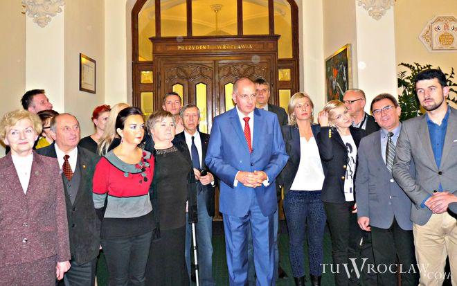 Rafał Dutkiewicz po wygranych wyborach zapowiedział cotygodniowe spotkania się z mieszkańcami Wrocławia