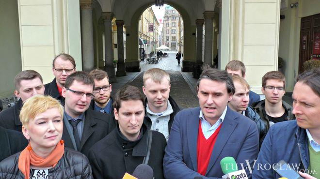 Aktywiści z inicjatywy referendalnej nie zebrali odpowiedniej liczby podpisów