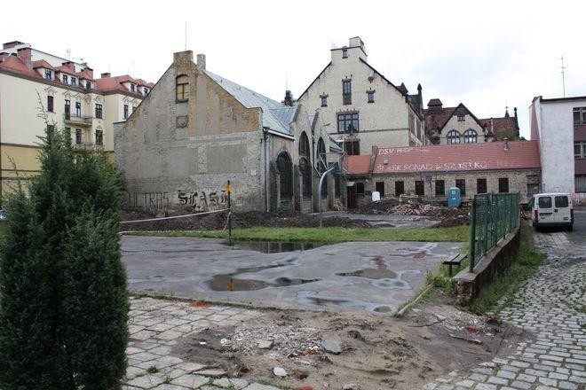 Budowa bloku sportowego przy szkole nr 73 we Wrocławiu.