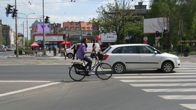 We Wrocławiu powstała pierwsza samoobslugowa stacja naprawy rowerów