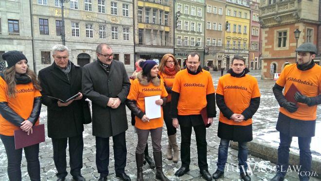 Batalia o budowę drogi S8 z Wrocławia do czeskiej granicy przyniosła połowiczny sukces