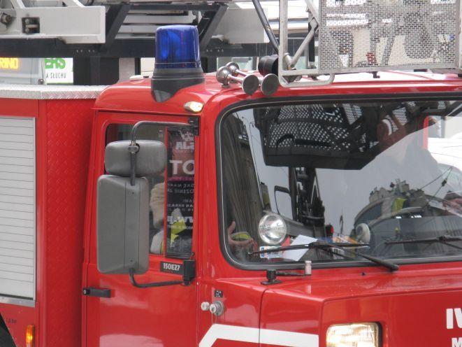 Strażakom nie udało się uratować pary emerytów przebywających w mieszkaniu, w którym wybuchł pożar