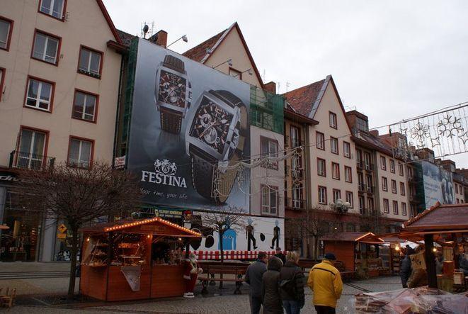 Z centrum Wrocławia mają zniknąć ogromne reklamy