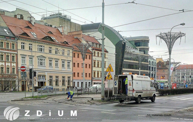 Urzędnicy szukają firmy, która zajmie się wymianą torów tramwajowych na skrzyżowaniu ulic Kazimierza Wielkiego i świętego Mikołaja