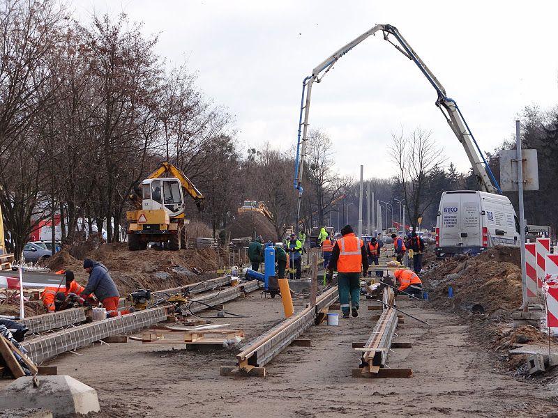 Budowa torowiska na Kozanowie idzie pełną parą dzięki sprzyjającej pogodzie