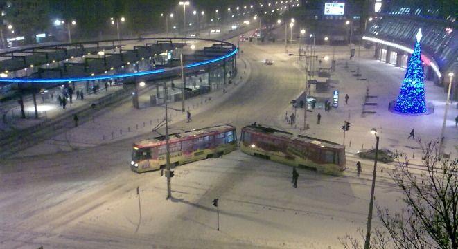 Fali wykolejeń tramwajów, która sparaliżowała podróże tym środkiem transportu dwa tygodnie temu, nie było. Ale wcale nie było tak dobrze. Czy można coś z tym zrobić?