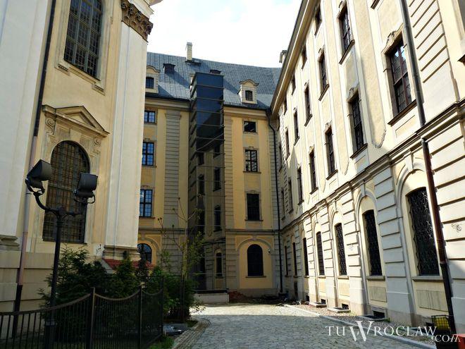 Uniwersytet Wrocławski wciąż cieszy się popularnością w czasie rekrutacji na nowych rok akademicki