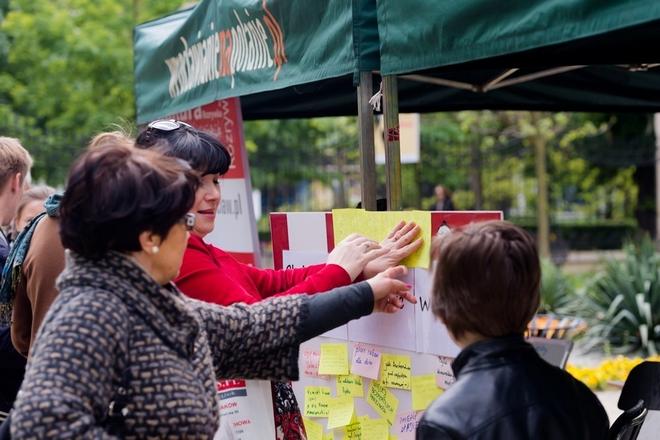W niedzielę 17 maja w parku Staromiejskim mieszkańcy mogli napisać na specjalnej tablicy, jak ich zdaniem powinien wyglądać Wrocław za 15 lat
