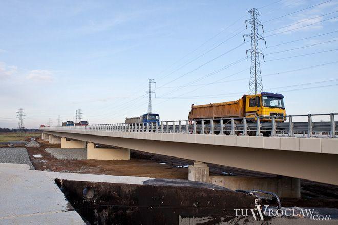 W grudniu ciężarówki testowały wytrzymałość pierwszego odcinka drogi Bielany-Łany-Długołęka