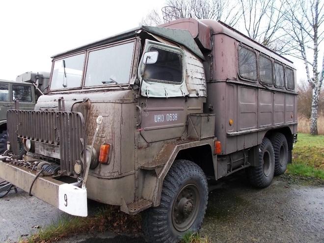 Bufet na samochodzie. To jeden z pojazdów, które będą licytowane przez Agencję Mienia Wojskowego