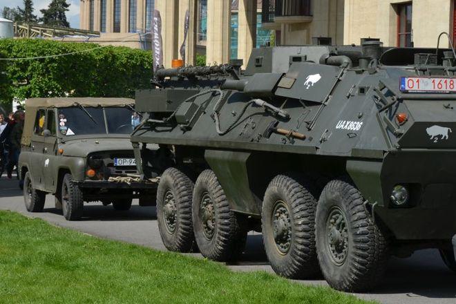 Fani militariów powinni pojawić się w sobotę i niedzielę przy Hali Stulecia