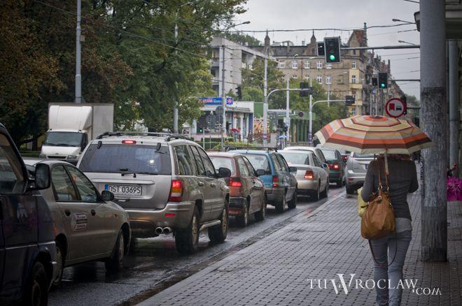 Wrocławskie ulice często pogrążone są w zatorach
