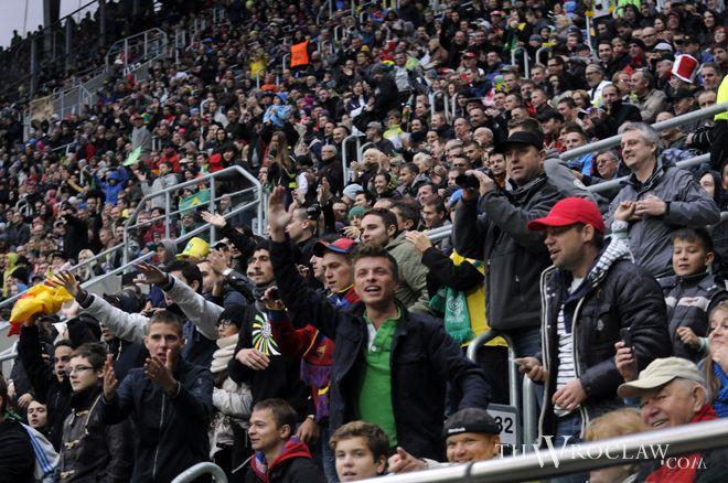 Tym razem hurtowo biletów nie rozdawano, a mimo wszystko na trybunach pojawiło się około 30 tysięcy kibiców