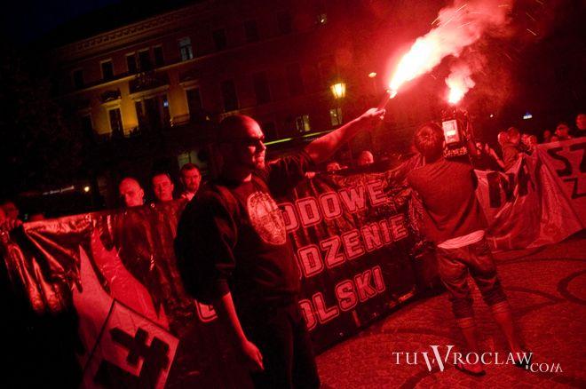 Ostatnia manifestacja NOP miała miejsce 17 września. Były między innymi race...