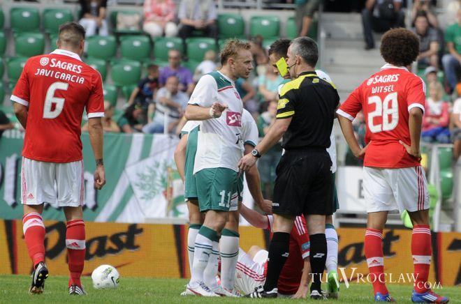 Sebastian Mila (w środku) strzelił Wiśle gola - marzenie. Takiego ''rogala'' nie powstydziliby się nawet w Primera Division.
