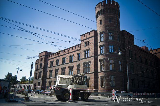 Po alarmie bombowym ewakuowano trzy wrocławskie sądy