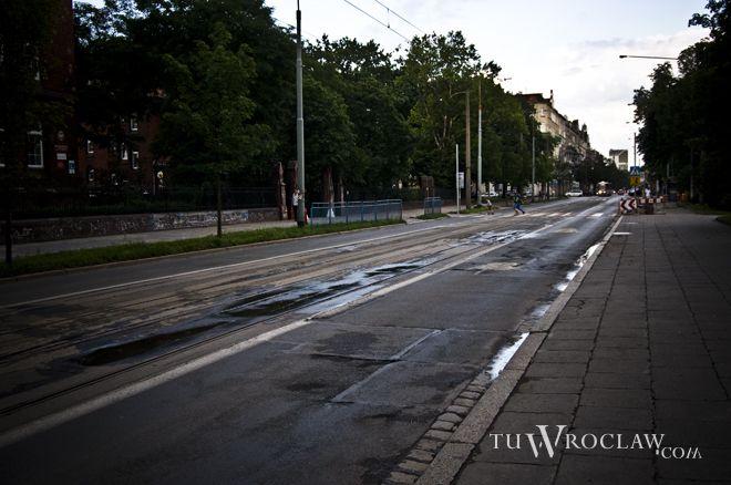 Remontowane torowisko na ulicy Nowowiejskiej od lat wołało o pomstę do nieba