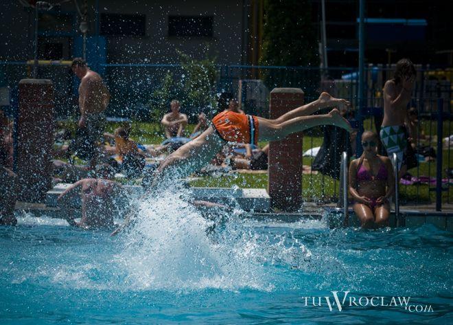 Największa niecka basenu przy Wejherowskiej zostanie zadaszona i stanie się obiektem całorocznym