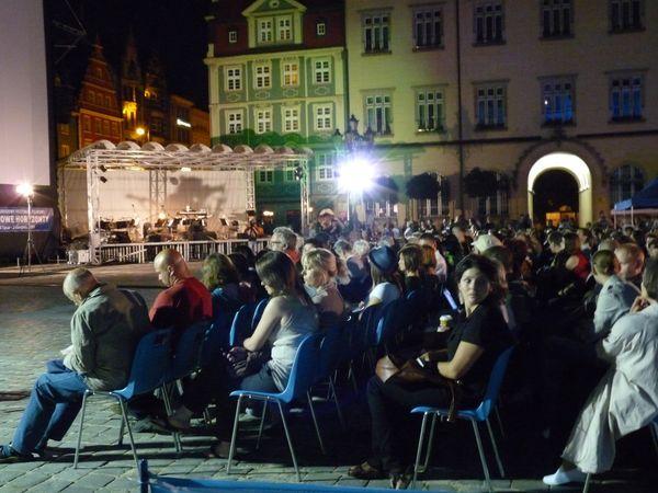Festiwal T-Mobile Nowe Horyzonty to wydarzenie, które w wakacje ściąga kinomaniaków do Wrocławia