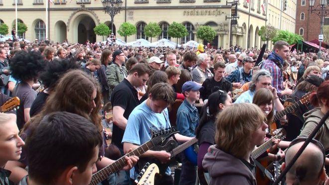 Kolejna wrocławska próba bicia gitarowego rekordu Guinessa już w maju