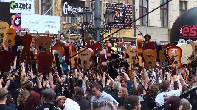 Na wrocławskim Rynku znów spróbujemy pobić Gitarowy Rekord Guinnessa