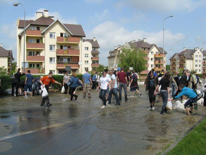 W 2010 roku w trakcie powodzi zalany został Kozanów