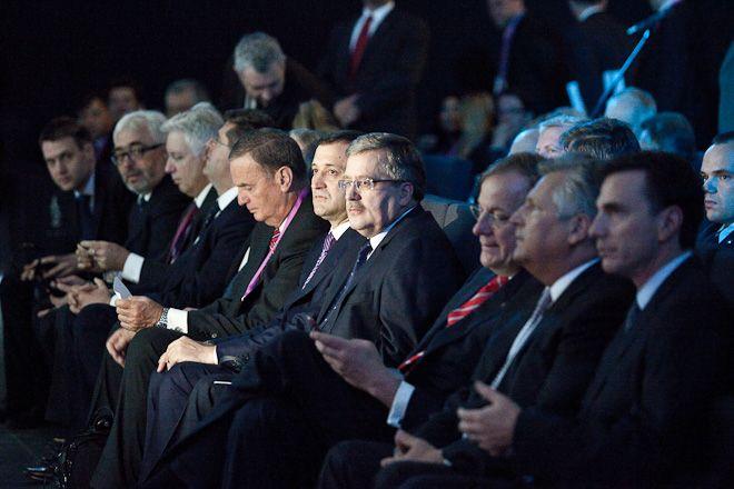 Na forum co roku pojawiają się znani politycy z kraju i ze świata