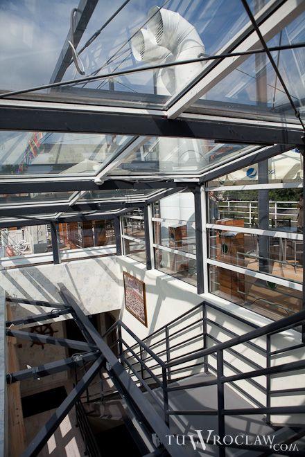 Premiera Teatru Lalek na otwarcie Barki Tumskiej, pierwszej restauracji na Odrze, abe