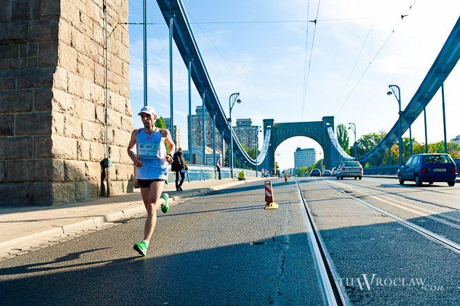 Nocny półmaraton miał być uzupełnieniem tradycyjnego maratonu, który od lat odbywa się we Wrocławiu