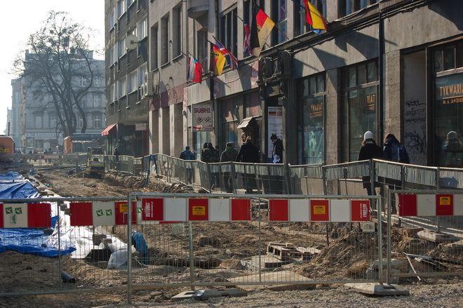 Odnowioną ulicą Kuźniczą będzie można przejść w maju