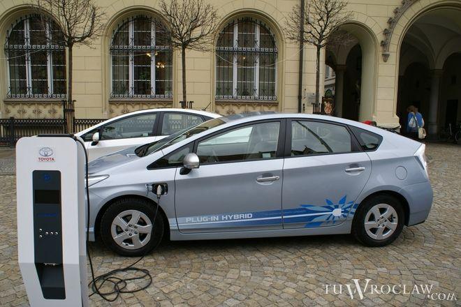 Miasto chce kupić trzy auta elektryczne