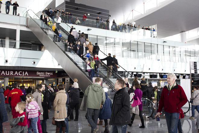 Podczas dnia otwartego wrocławski terminal odwiedziło ponad 25 tys. osób