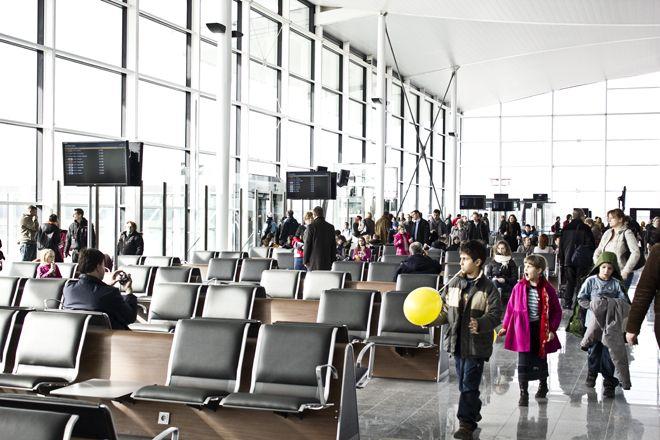I młodsi, i starsi chwalą wrocławskie lotnisko