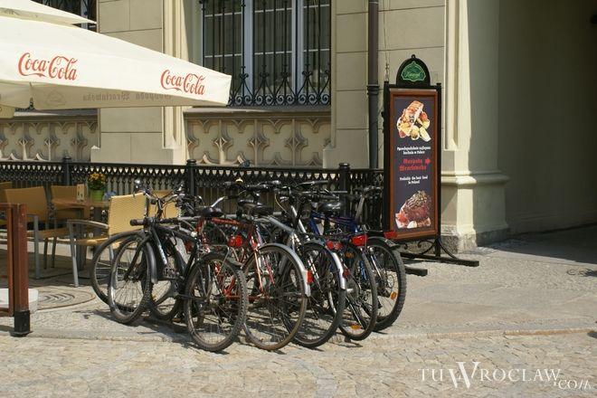 Łupem mężczyzn padały zaparkowane rowery