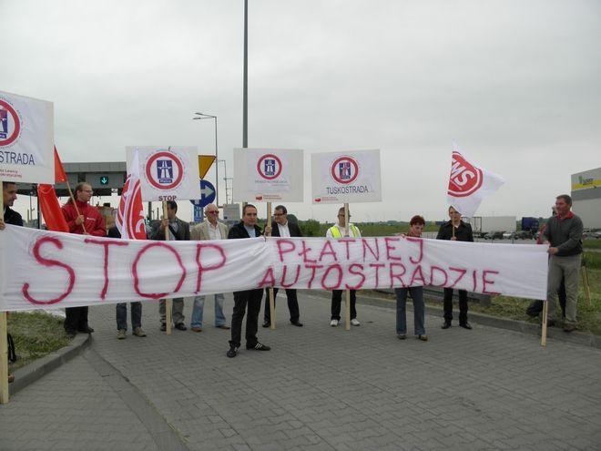 Wrocławscy politycy lewicowi protestowali przeciw płatnej autostradzie A4