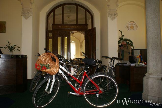 Urzędnicy na wizytę rowerzystów dobrze się przygotowali