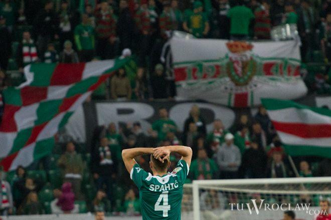 Piłkarze Śląska mogą łapać się za głowy - w Krakowie dokonali dużej sztuki przegrywając z Wisłą