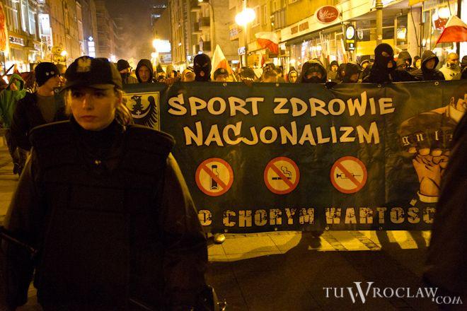 Niedzielny marsz w czasie święta Niepodległości zabezpieczała policja