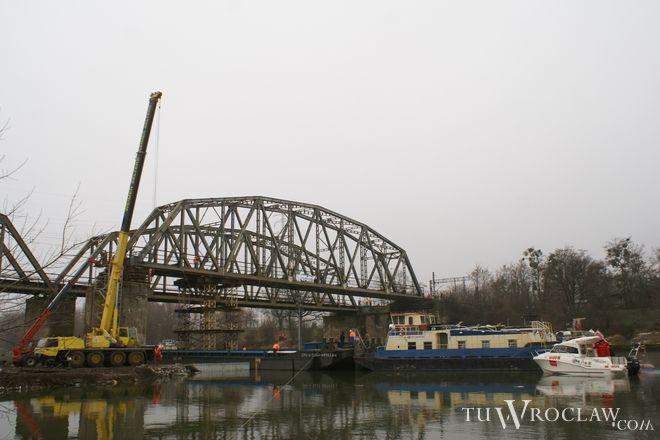 Modernizowany jest m.in. most kolejowy na Odrze