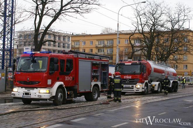 Na szczęście strażacy w porę dotarli na miejsce i uratowali 3 osoby