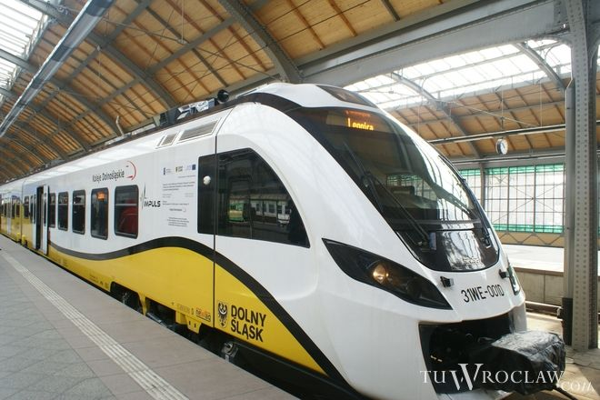 Po aglomeracji pasażerów wożą Koleje Dolnośląskie