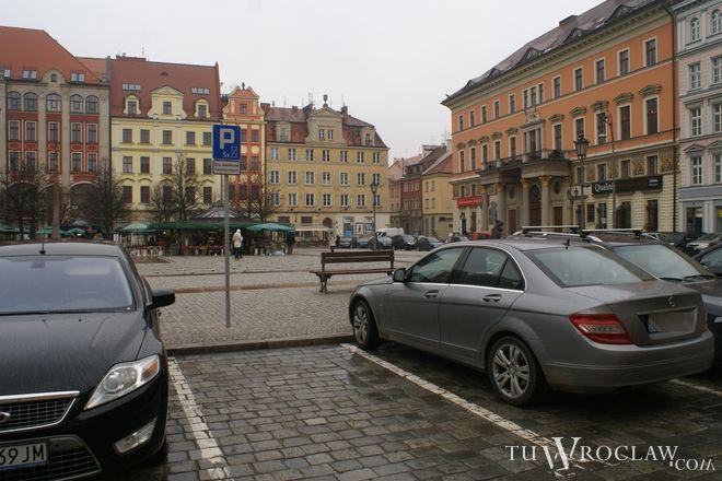 Niepełnosprawni zmotoryzowani często nie mają gdzie zaparkować