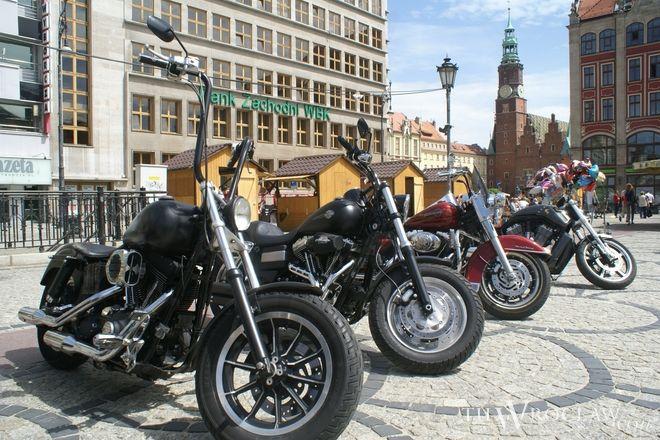 Harleyowcy już w piątek parkowali swoje maszyny na placu Solnym