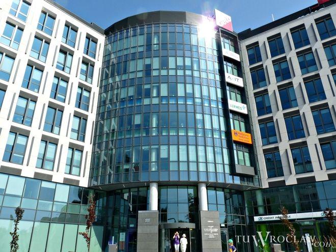 Aquarius Business House powstał przy zbiegu ul. Borowskiej i Swobodnej