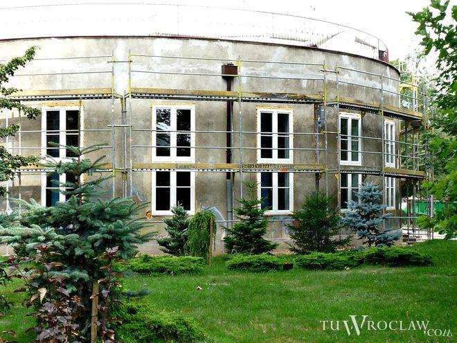 Na miejscu wrocławskiego lotniska powstało osiedle mieszkaniowe, ale legendy są pielęgnowane