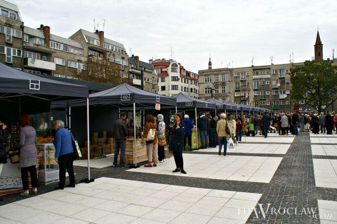 Na placu Nowy Targ działa już jarmark produktów spożywczych