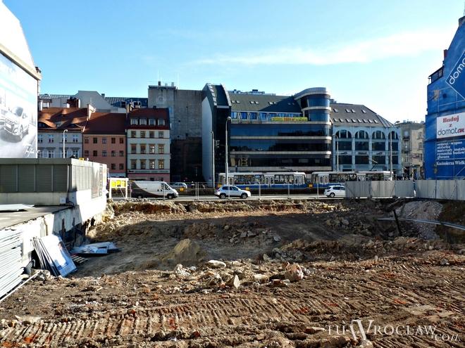 Jezdnia na ulicy Kazimierza Wielkiego zostanie wyłączona z ruchu ze względu na montaż żurawia na budowie kompleksu biurowego